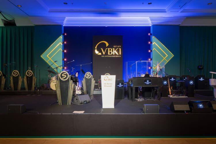 VBKI-Ball-2018-Ballsaal-Buehne